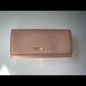 Michael Korda Wallet - Soft Pink